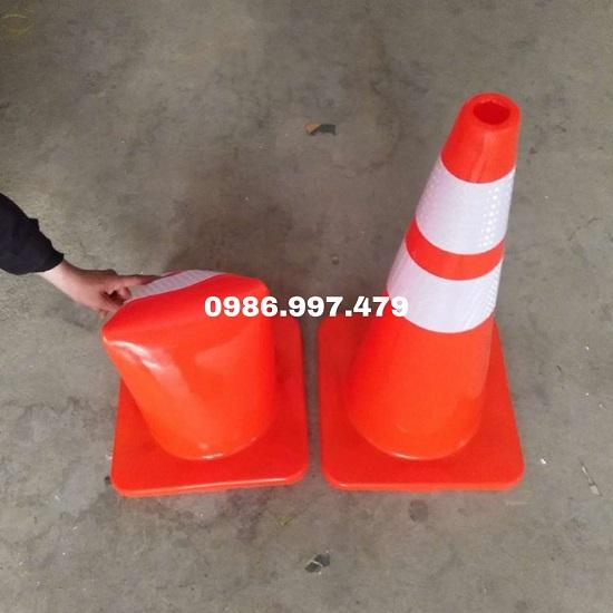 Cọc cảnh báo giao thông dẻo 45cm