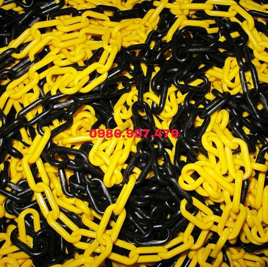 Xích nhựa nối cọc tiêu vàng đen